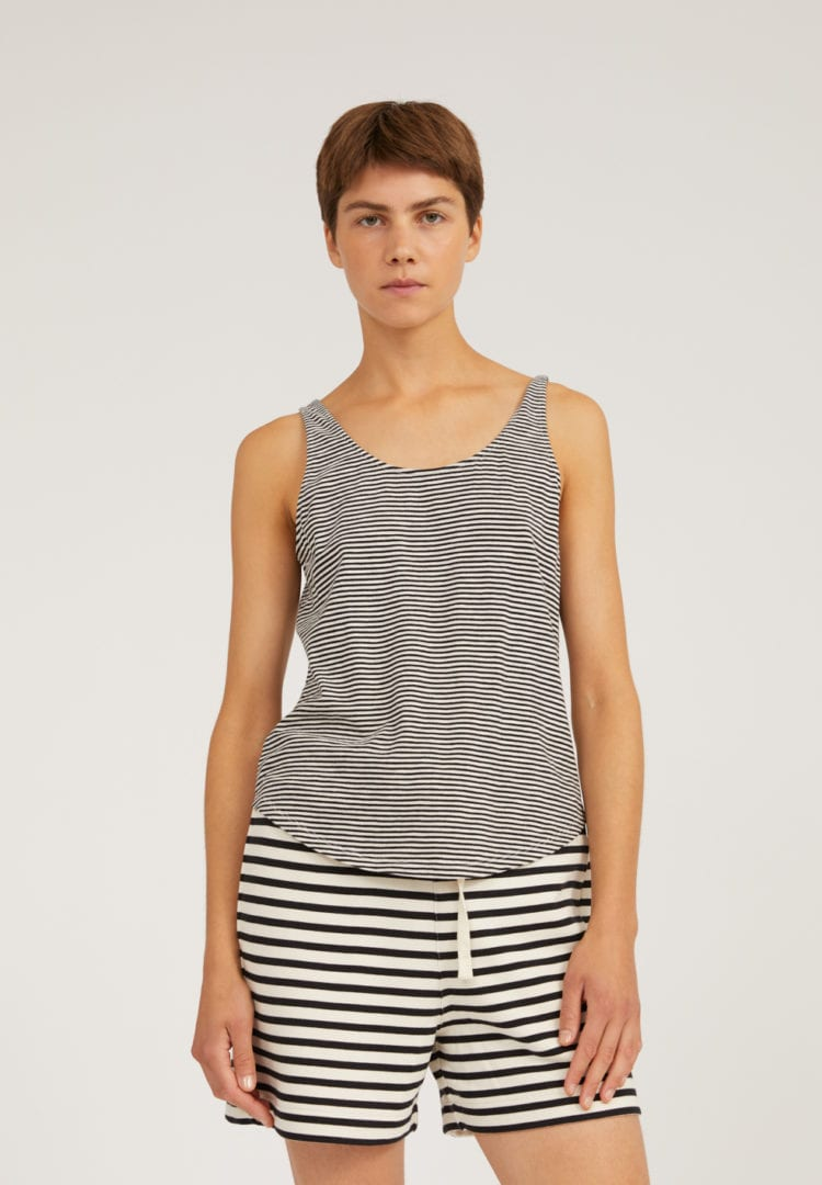 Top Aariana Pretty Stripes In Black-oatmilk von ArmedAngels